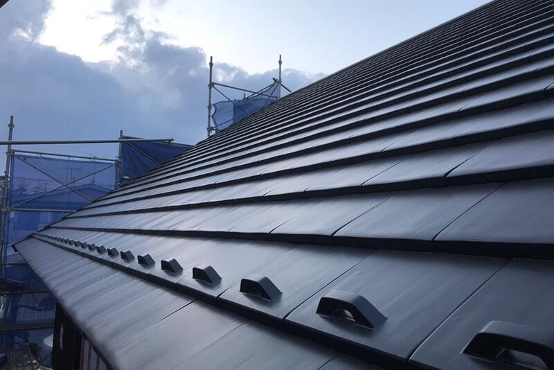 メンテナンスフリーの屋根